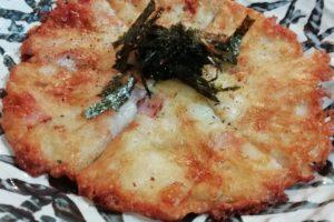 モッツァレラチーズとベーコンのヒラヤーチ