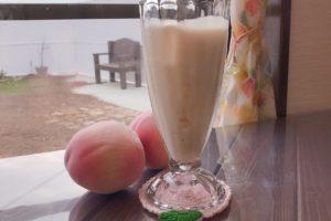 桃のスムージー(ミルク使用)