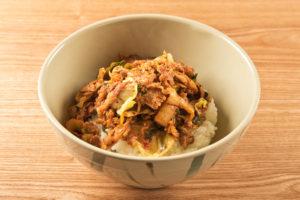 豚キムチ丼(ごはん普通)