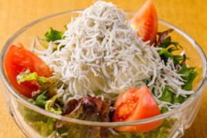 ほうれん草とシラスのサラダ(ハーフサイズ)